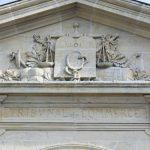 Fronton du tribunal de commerce de Saint-Valéry-sur-Somme